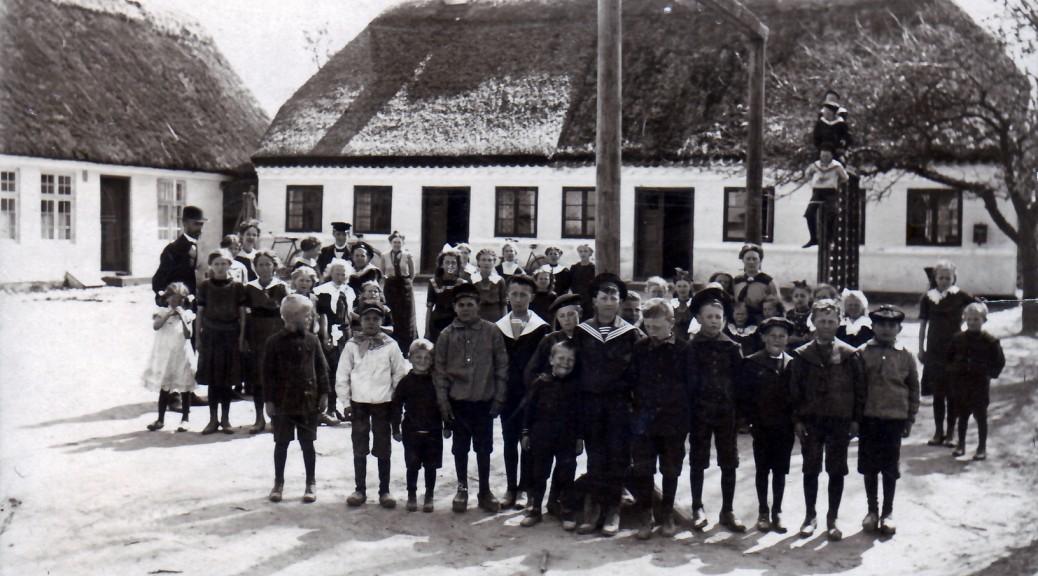 Grasten Skole, Flagebakken 217, ca. år 1912 (Kilde: B1661)